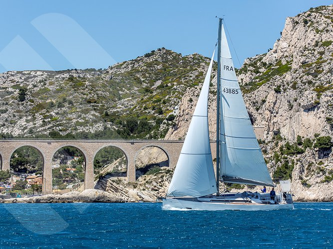 Enjoy luxury and comfort on this Grand Soleil Grand Soleil 43 in Marseille