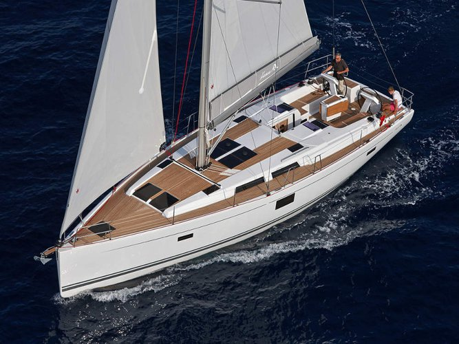 Jump aboard this beautiful Hanse Yachts Hanse 455
