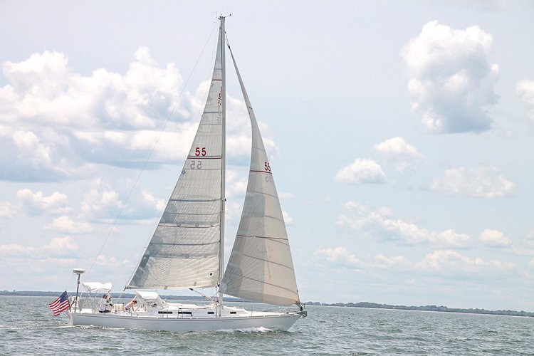 Discover East Hampton surroundings on this J/42 J Boats boat