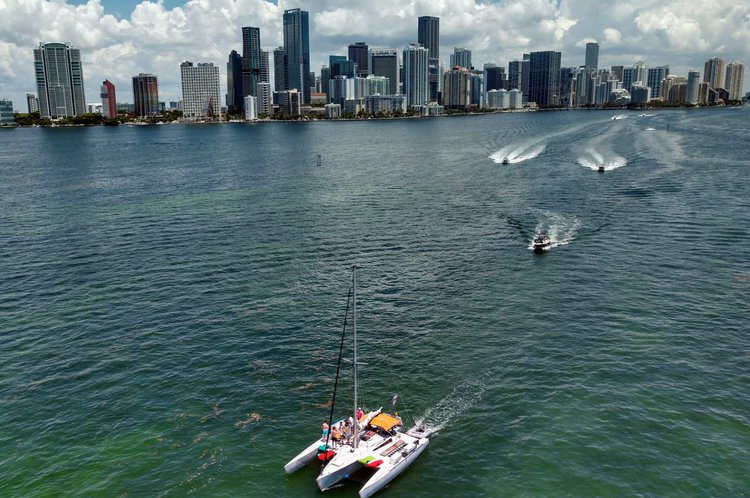 Discover Key Biscayne surroundings on this Trimaran Norman Cross boat