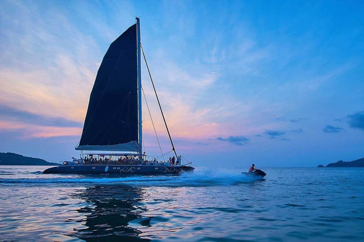 Sail the fascinating Thailand on a superb catamaran for rent