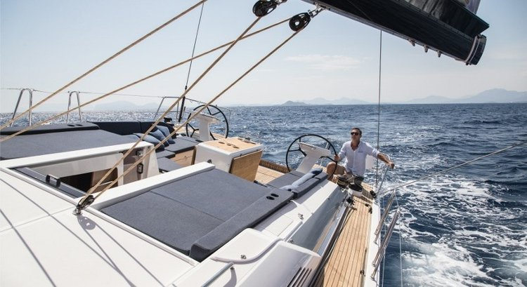 Discover Le Marin surroundings on this 51.1 Oceanis boat