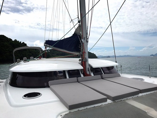 This 47.0' Salina cand take up to 25 passengers around Phuket