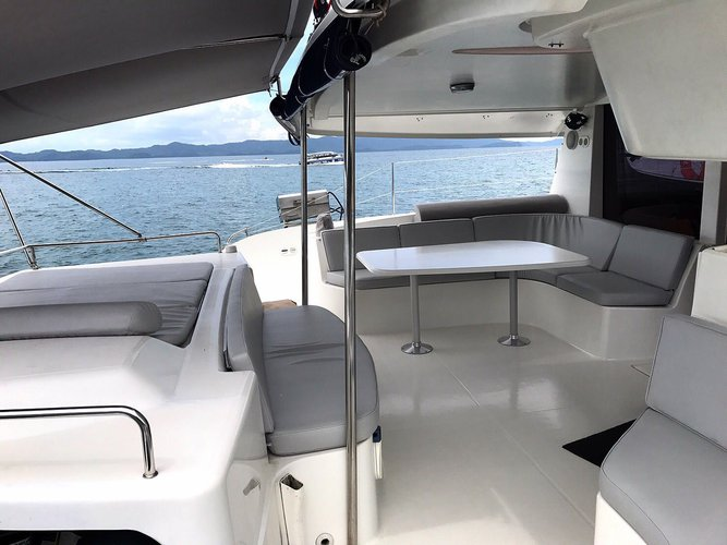 Discover Phuket surroundings on this 48 Salina boat