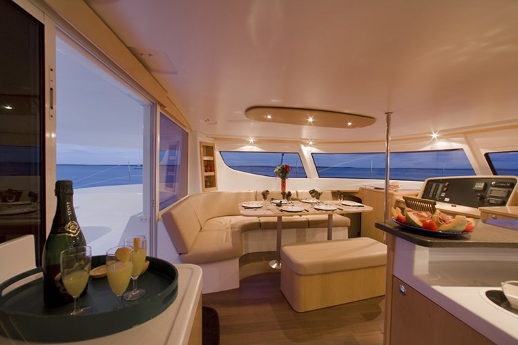 Catamaran boat for rent in Nassau