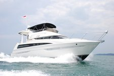 This motor boat rental is best to enjoy  Singapore