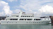 Enjoy luxury and comfort on this Sentosa Mega yacht rental.