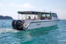 Beautiful cruiser boat for rent, ideal for fun in the sun