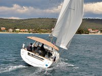 Charter this amazing sailboat in Sukošan