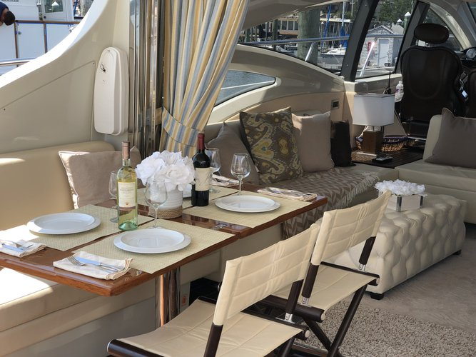 Cruiser boat rental in Harborage Yacht Club and Marina,