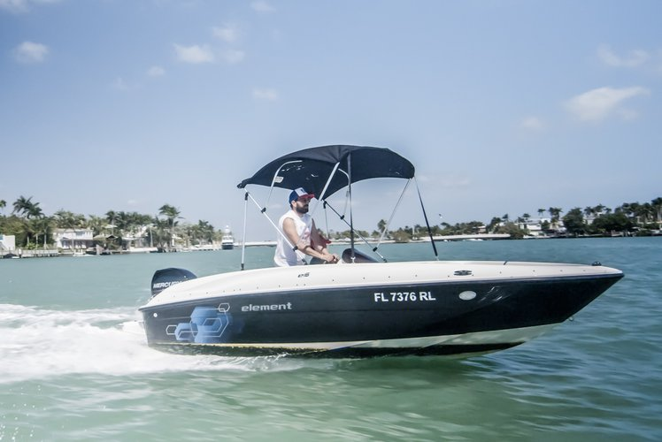 Bayliner's 16.0 feet in Aventura