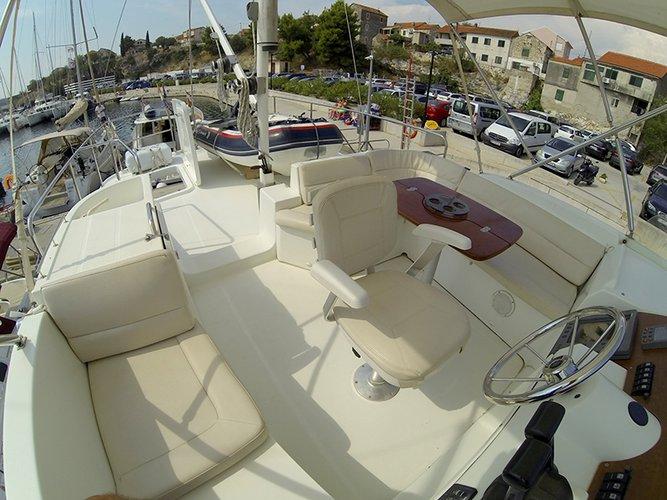 Discover Šibenik region surroundings on this Swift Trawler 42 Bénéteau boat