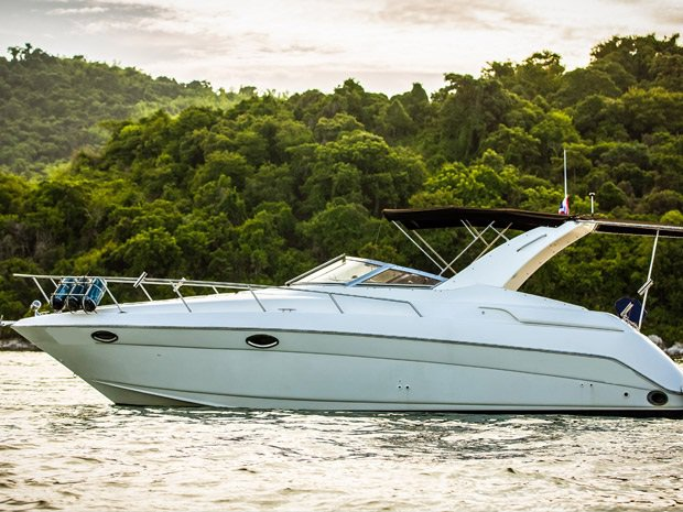 Boating is fun with a Motor yacht in Pattaya