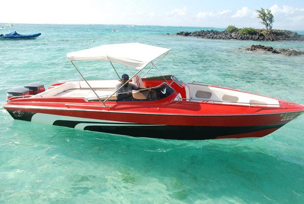 Boat for rent Custom 25.0 feet in Trou D´Eau Douce, Mauritius