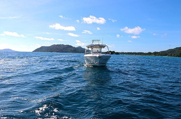 Experience Seychelles on board this elegant catamaran