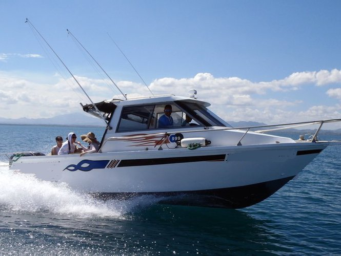 This motor boat rental is perfect to enjoy Nadi