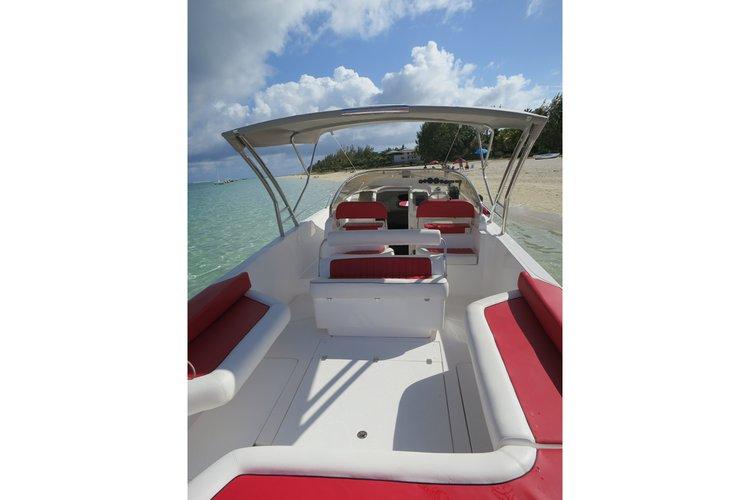 Center console boat rental in Trou D´Eau Douce, Mauritius