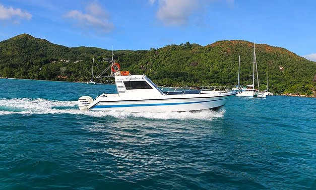 Boat for rent Custom 33.0 feet in , Seychelles