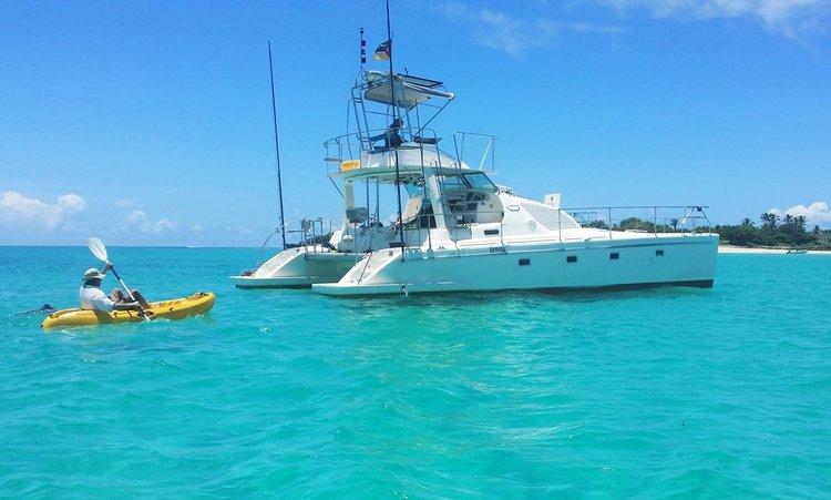 Discover Zanzibar surroundings on this Custom Custom boat