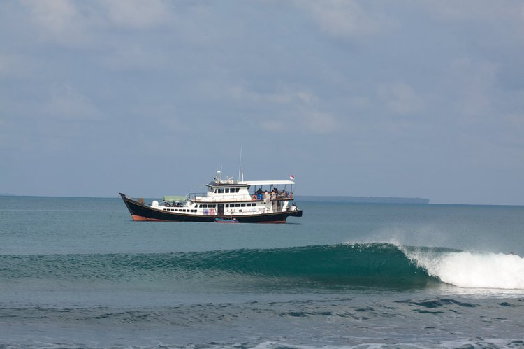 Boat rental in Padang,