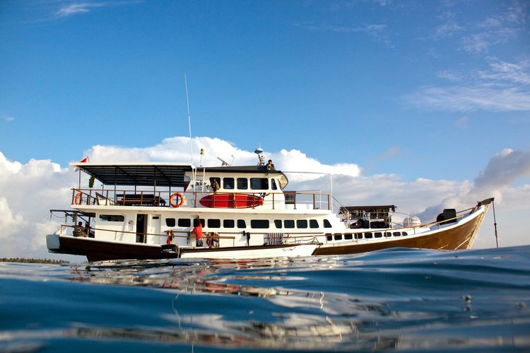Boating is fun with a Mega yacht in Padang