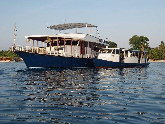 Mega yacht boat rental in Male, Mauritius