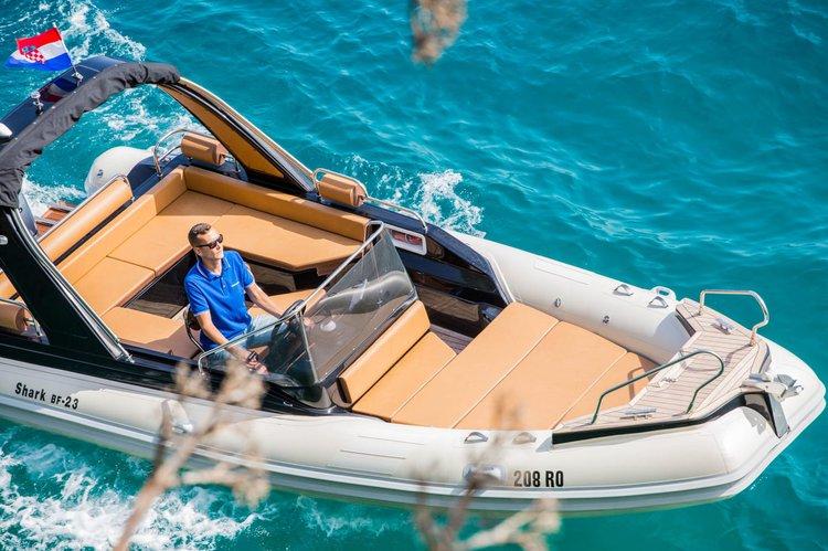 23.0 feet Grginic Yachts in great shape