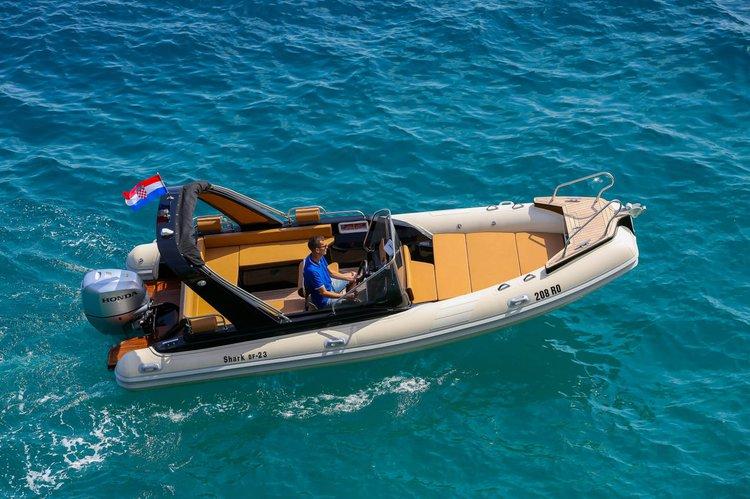 Motor boat boat for rent in Split