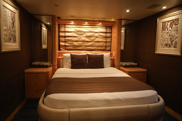 Up to 45 persons can enjoy a ride on this Mega yacht boat