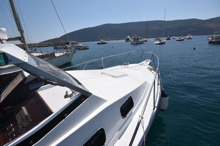 Motor boat boat for rent in Herceg Novi
