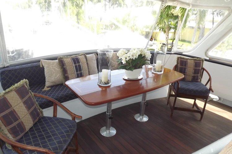 Motor yacht boat rental in Bay Side Marina, Bahamas