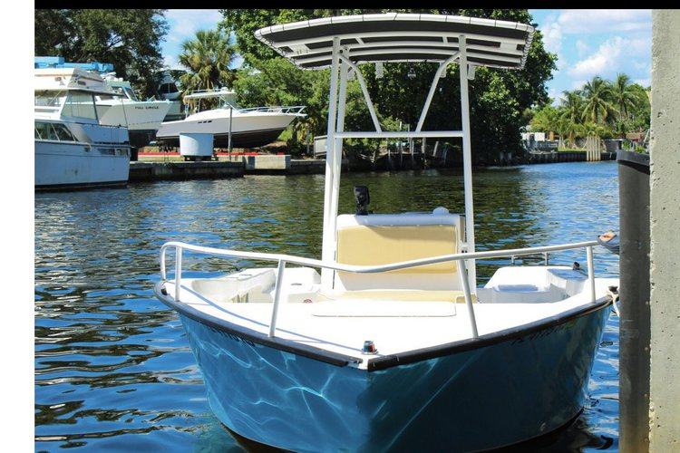 Center console boat rental in Dusky Marine, FL