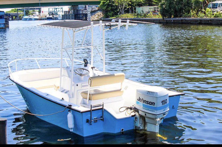 Boating is fun with a Center console in Dania Beach