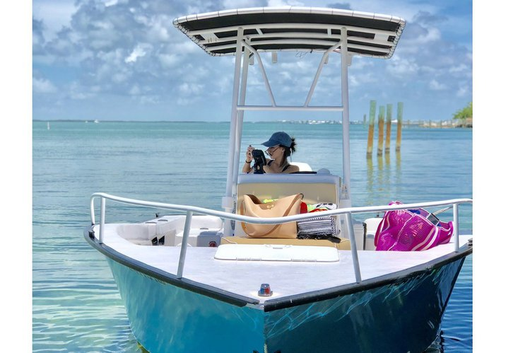 Relaxing Center Console Perfect for Sandbar days
