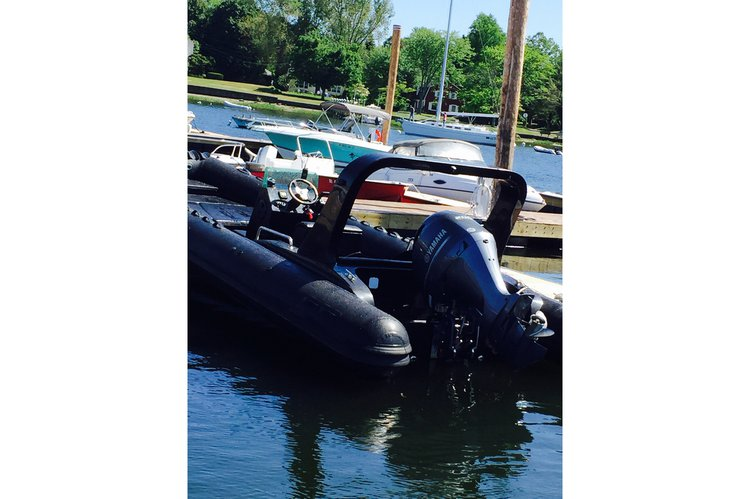 Boat rental in Barrington, RI