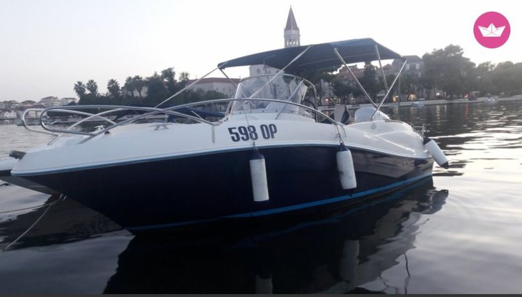 Spacious  and  robust motorboat 150hp