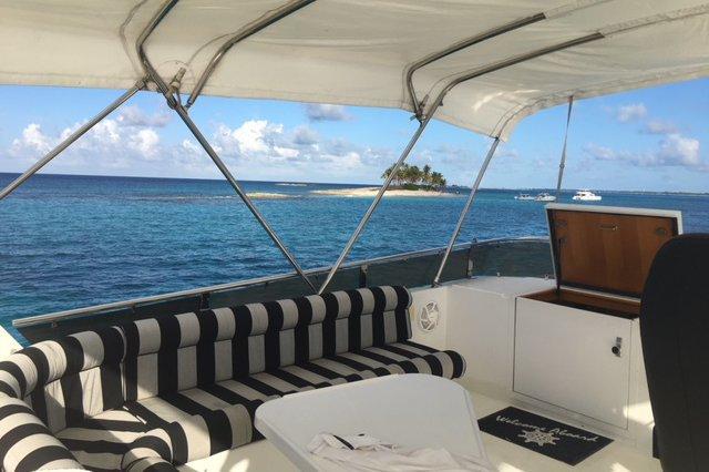 Motor yacht boat rental in Nassau, Bahamas