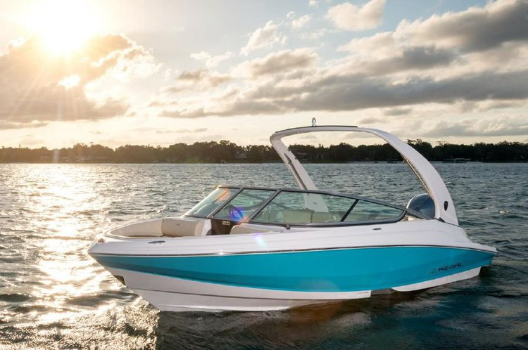 Discover North Miami surroundings on this 21 OBX Regal boat
