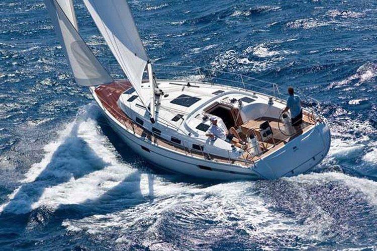 Discover Fethiye surroundings on this Cruiser 40 BAVARIA boat
