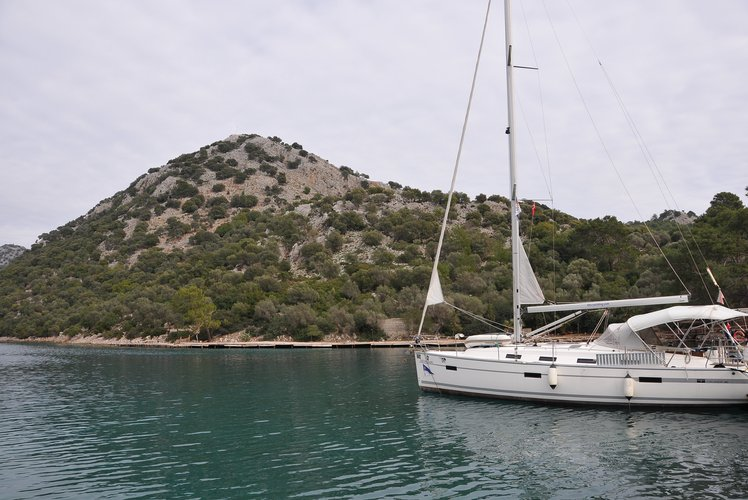 Discover Fethiye surroundings on this Cruiser 41 BAVARIA boat