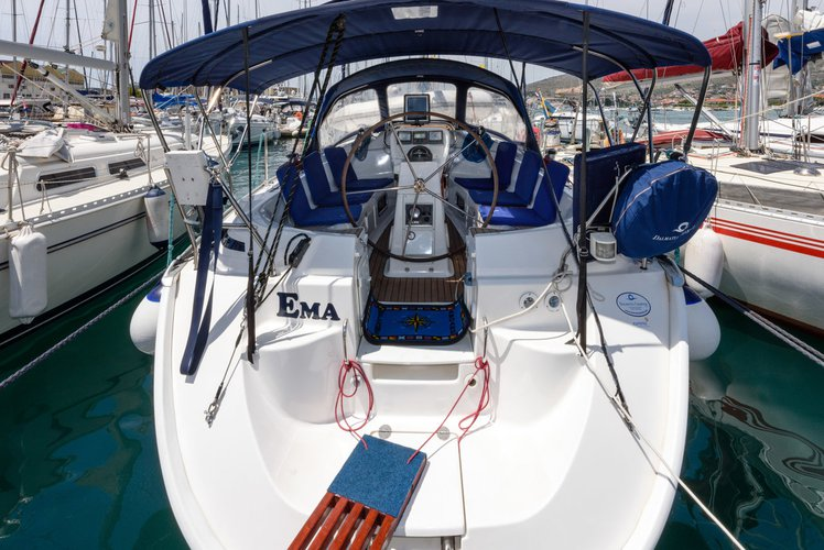 This 37.0' Bavaria Yachtbau cand take up to 8 passengers around Split region