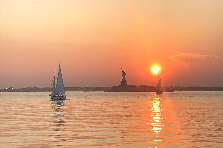 Sloop boat rental in Pier 59, NY