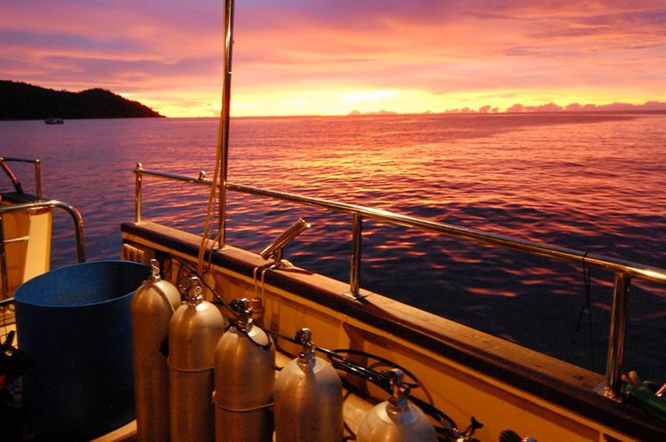 Schooner boat for rent in Victoria