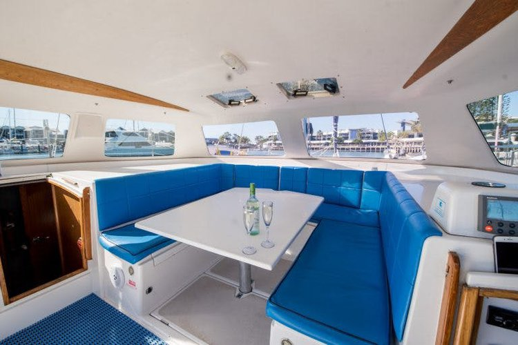 Boat rental in West Cleveland,