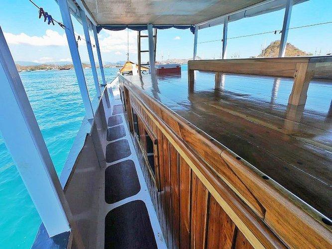 Custom's 72.0 feet in Labuan Bajo