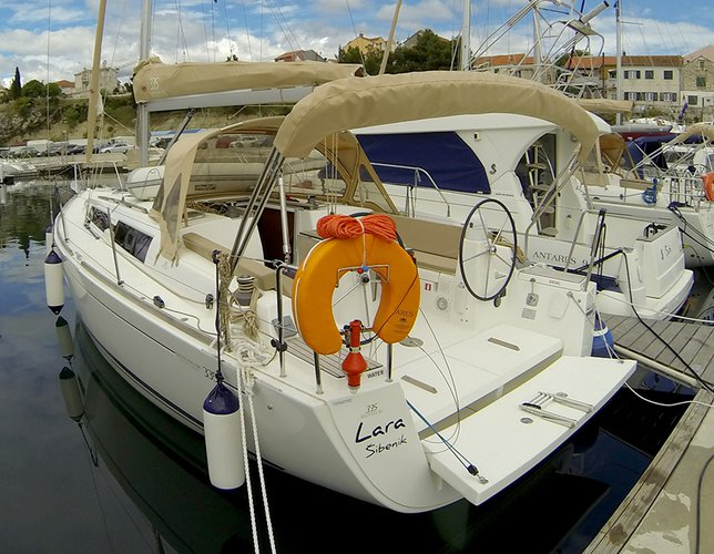 Boating is fun with a Dufour Yachts in Šibenik region