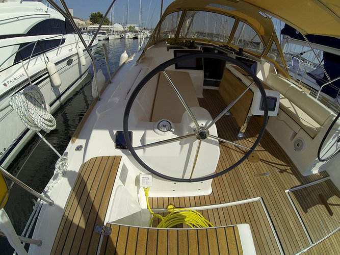 Discover Šibenik region surroundings on this Dufour 382 GL Dufour Yachts boat
