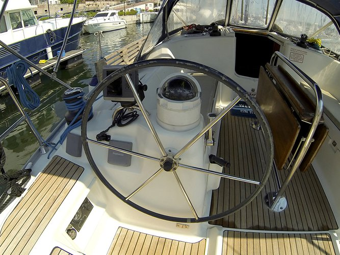 Discover Šibenik region surroundings on this Dufour 385 GL Dufour Yachts boat