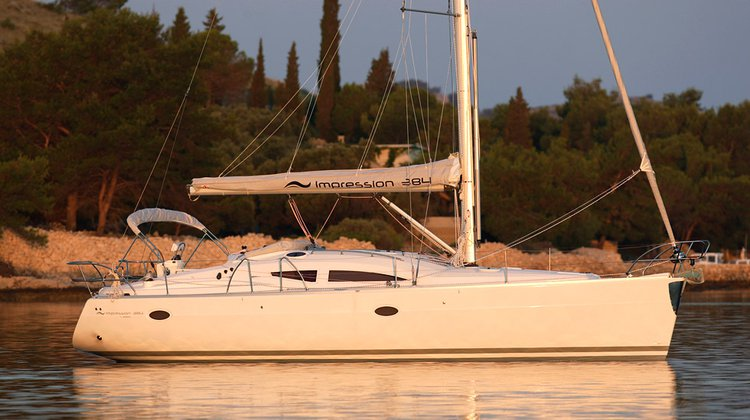 This 37.0' Elan Marine cand take up to 7 passengers around Split region