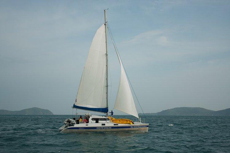 Faraway's 48.0 feet in Phuket 83100